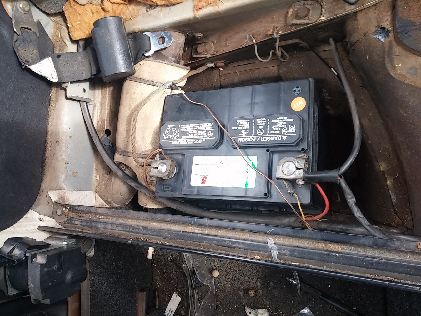 Volkswagen Beetle Questions - 1976 Bug wont turn over after installing new battery - CarGurus