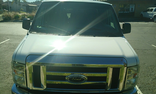 Picture of 2008 Ford E-Series Wagon E-150 XLT