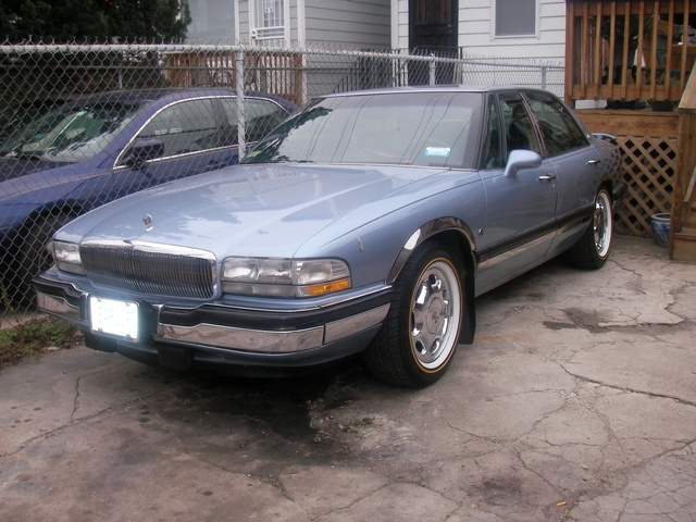 Picture of 1994 Buick Park Avenue 4 Dr STD Sedan