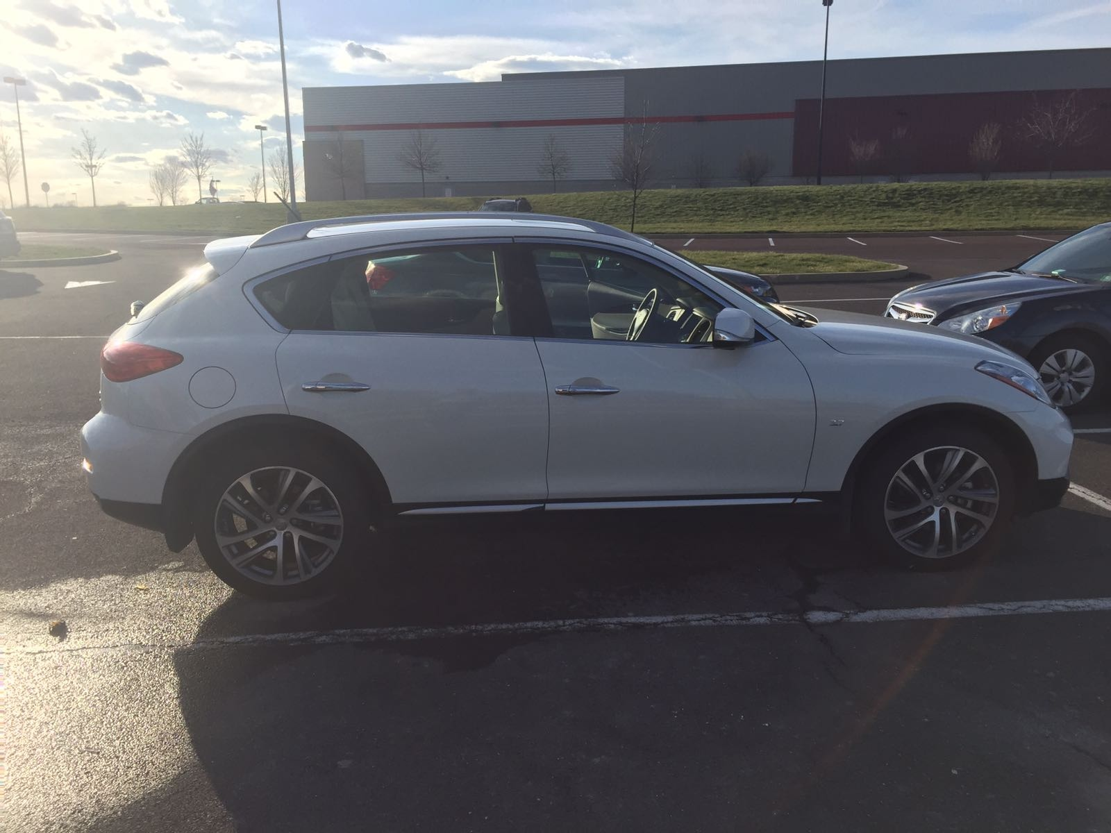 Picture of 2017 INFINITI QX50 AWD