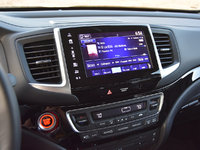2017 Honda Pilot Elite AWD, 2017 Honda Pilot Elite radio station display, interior, gallery_worthy