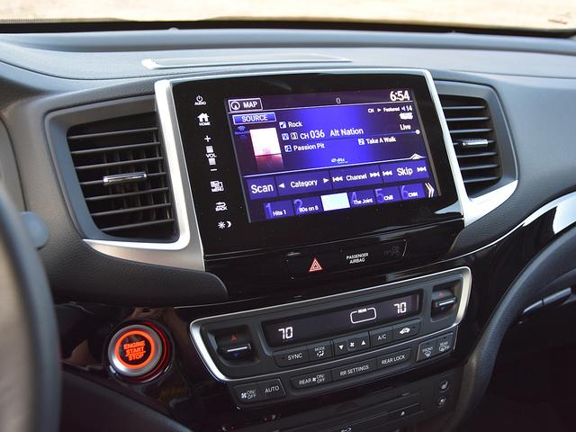 2017 Honda Pilot Elite AWD, 2017 Honda Pilot Elite radio station display, interior, gallery_worthy