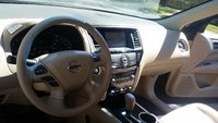 Picture of 2014 Nissan Pathfinder SV, interior