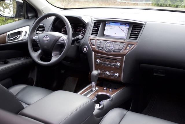 Interior of the 2017 Nissan Pathfinder, interior, gallery_worthy
