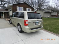 Picture of 2011 Chrysler Town & Country Limited, exterior