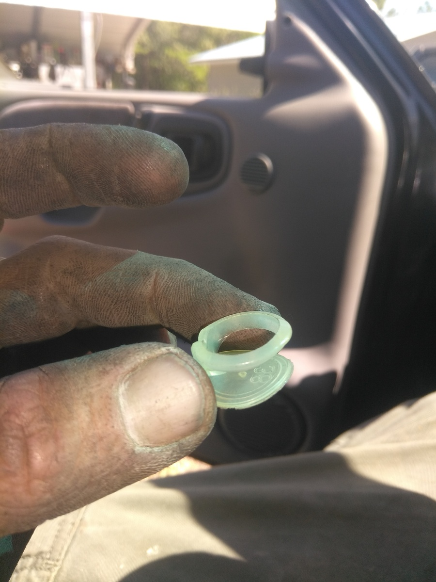 Dodge Ram 1500 Questions - I am having problems putting gas