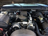 Picture of 2000 Cadillac Escalade 4WD, engine, gallery_worthy