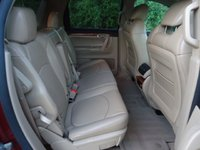 Picture of 2008 Saturn Outlook XR, interior