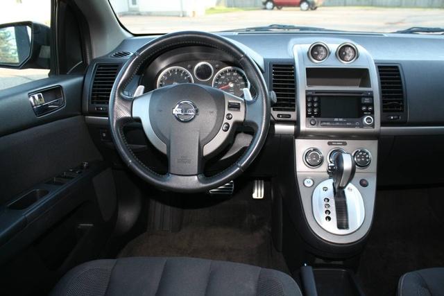 2010 Nissan Sentra - Interior Pictures - CarGurus