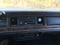 Picture of 1990 Lincoln Town Car Signature