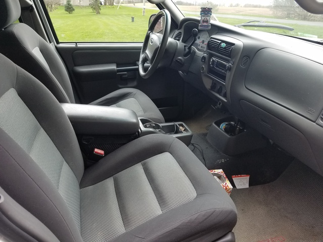 2005 ford explorer sport trac pictures cargurus - Ford explorer sport trac interior ...