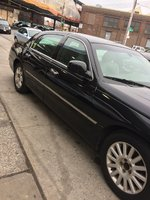 Picture of 2007 Lincoln Town Car Executive
