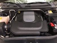 Picture of 2010 Jeep Commander Limited 4WD, engine