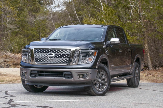 Picture of 2017 Nissan Titan Platinum Reserve Crew Cab 4WD, exterior, gallery_worthy