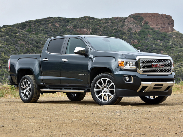 Gmc Canyon Denali >> 2017 Gmc Canyon Overview Cargurus