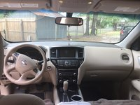 Picture of 2015 Nissan Pathfinder SV, interior