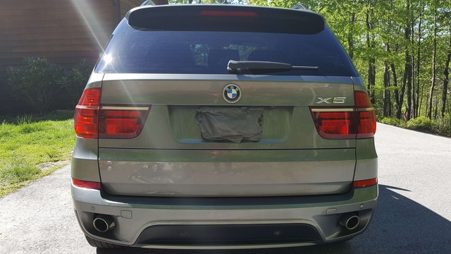 Picture of 2012 BMW M5 RWD