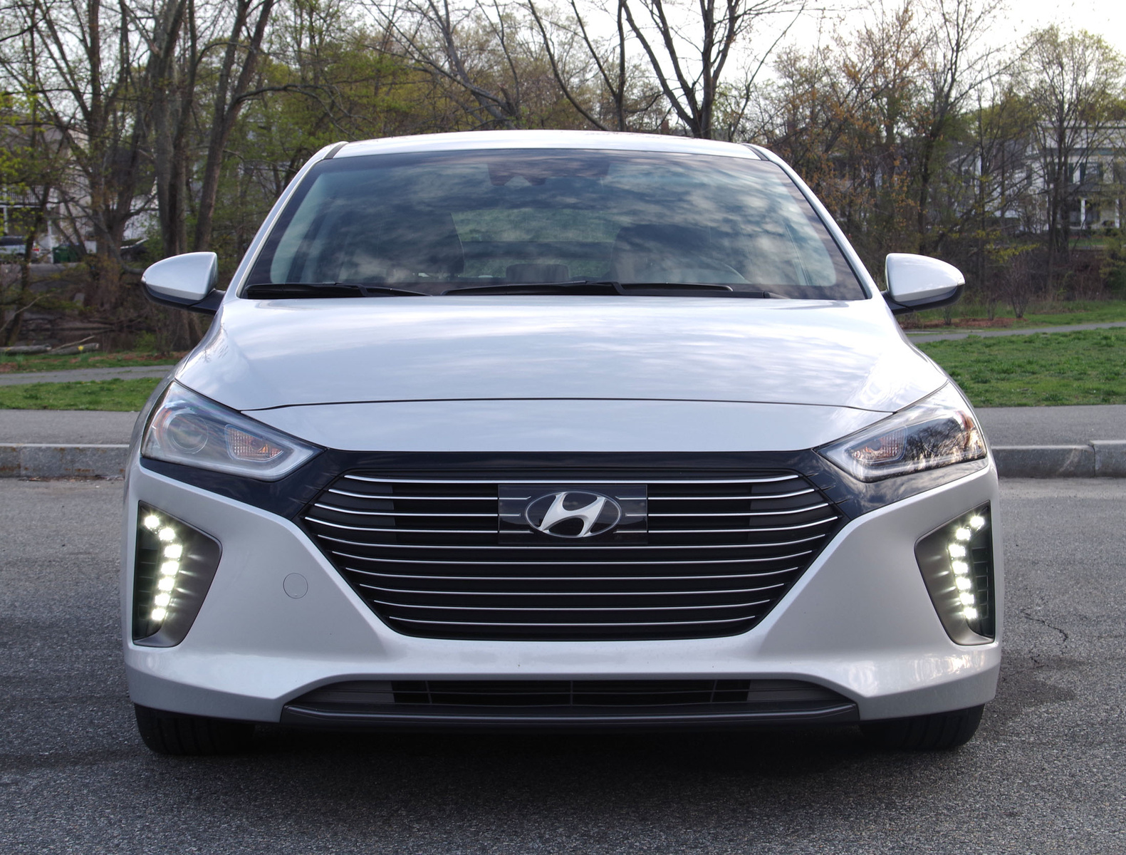 2017 Hyundai Ioniq front view