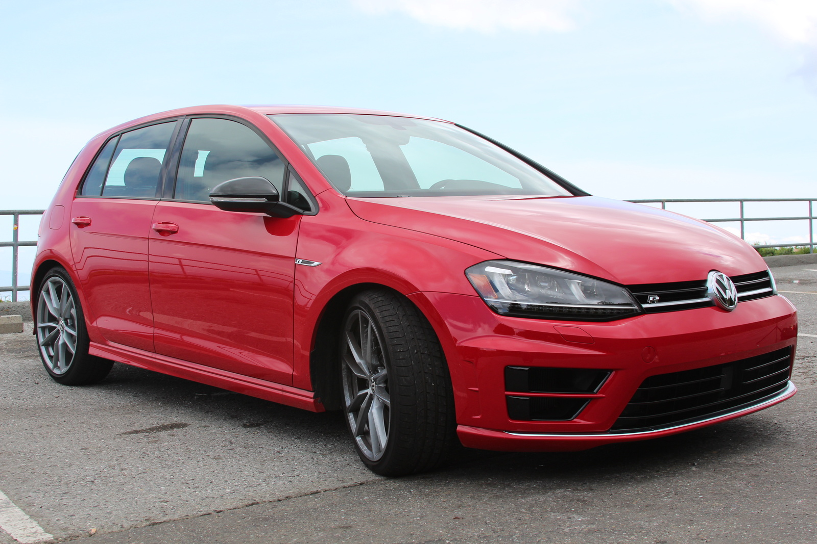 Picture of 2017 Volkswagen Golf R