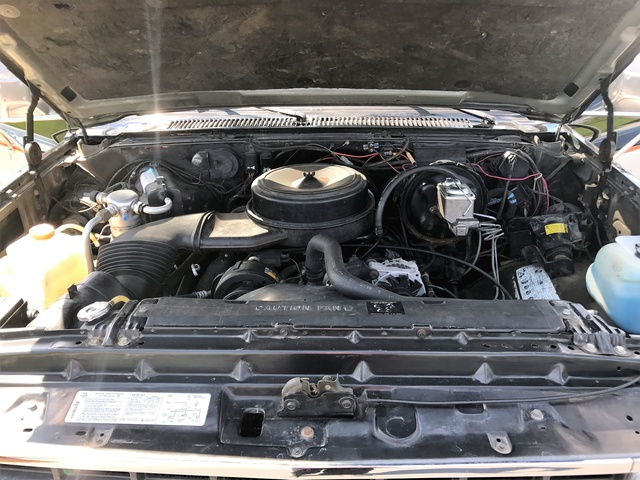 Picture of 1989 Chevrolet Suburban R20, engine