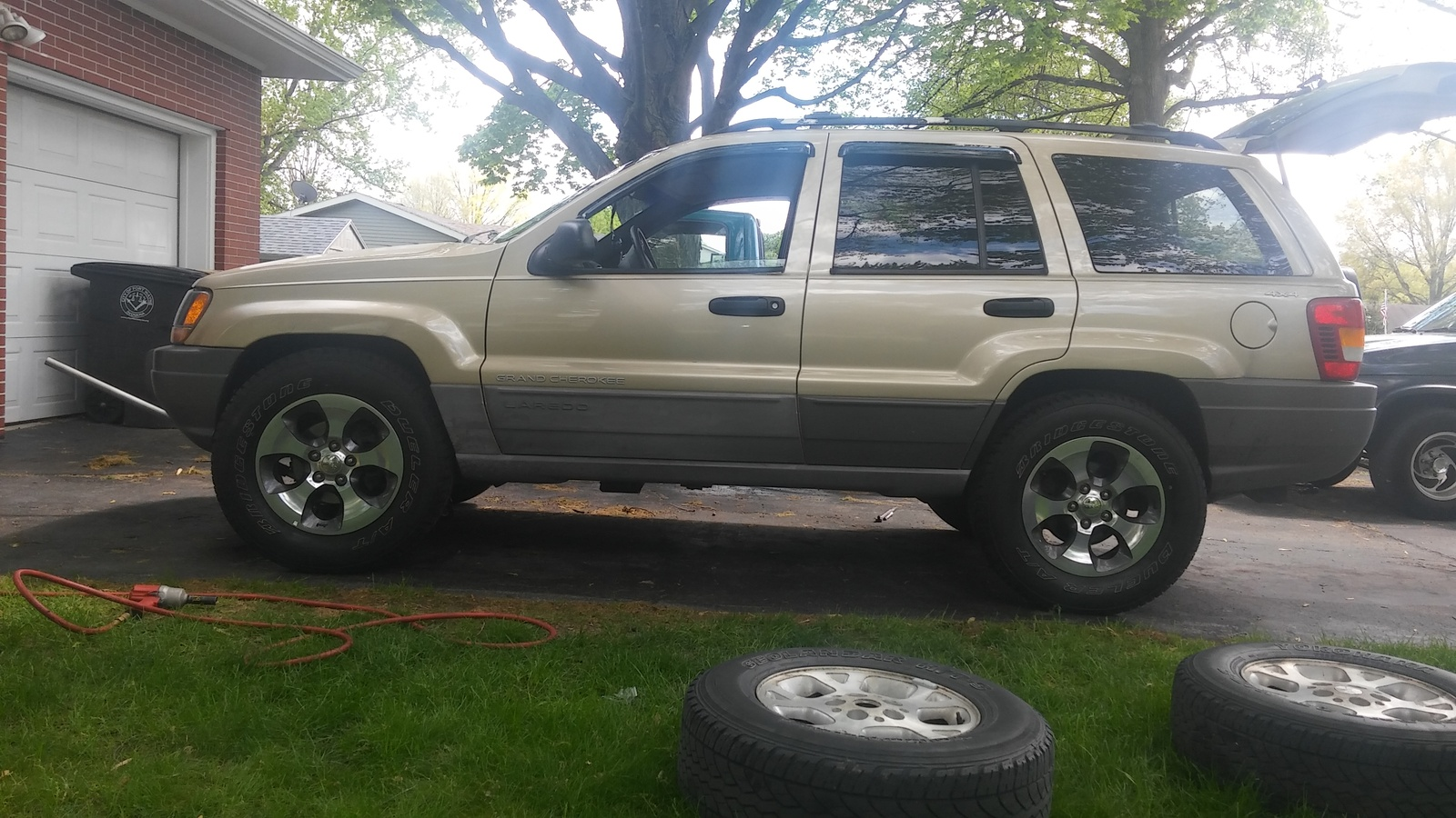 Wrangler Jeep Inside >> Jeep Grand Cherokee Questions - Larger than stock tires sizes - CarGurus
