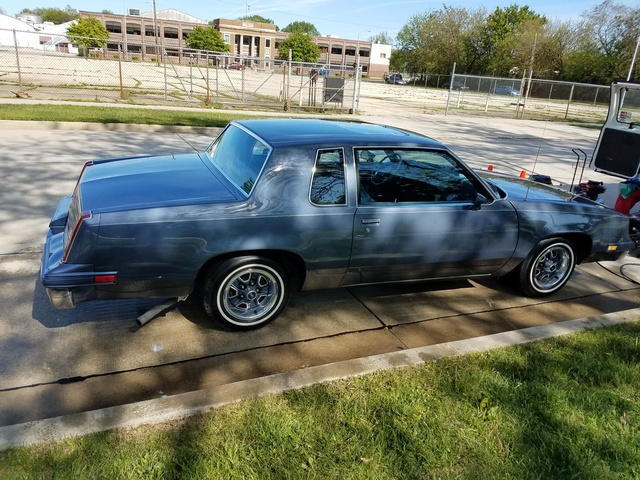 Picture of 1984 Oldsmobile Cutlass Supreme