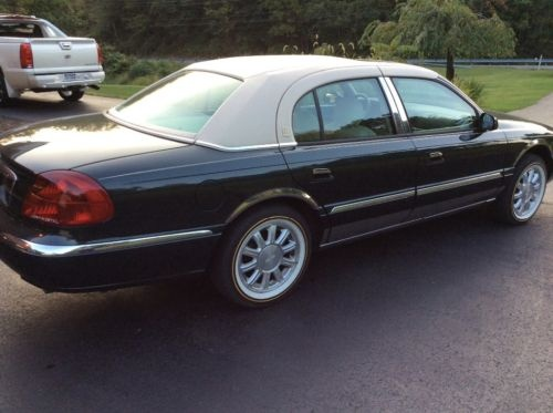 Picture of 2002 Lincoln Continental 4 Dr STD Sedan
