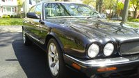 2000 Jaguar XJR Picture Gallery