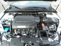 Picture of 2017 Honda Accord Touring, engine
