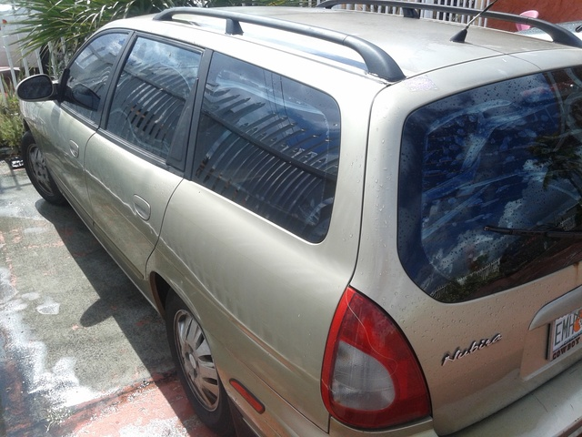 Picture of 2000 Daewoo Nubira 4 Dr CDX Sedan