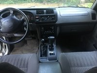 Picture of 2000 Nissan Xterra SE 4WD, interior