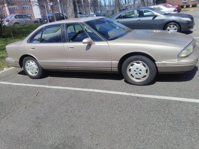 Picture of 1993 Oldsmobile Eighty-Eight Royale 4 Dr LS Sedan