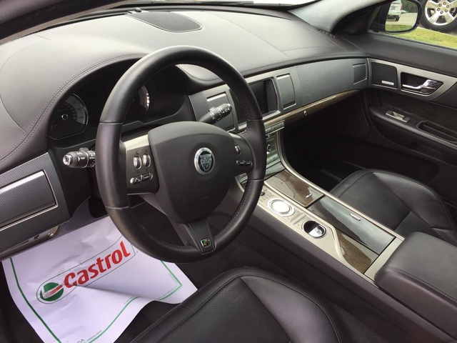 Picture Of 2011 Jaguar XF R, Interior, Gallery_worthy