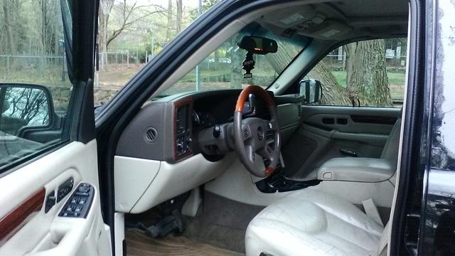 2004 Cadillac Escalade ESV - Interior Pictures - CarGurus