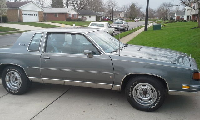 Picture of 1987 Oldsmobile Cutlass Supreme