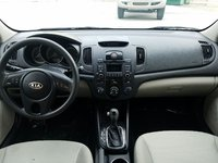 Picture of 2013 Kia Forte LX, interior, gallery_worthy