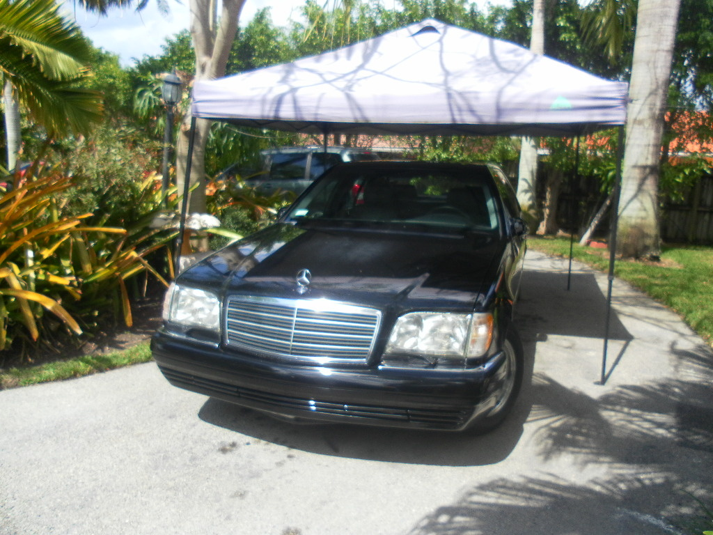 I have a listing for a 1999 mercedes benz s500 blk on blk and trying to list anothern just like it same color same model diferrnt vin and difrent miles