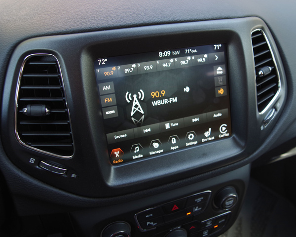 2016 Jeep Compass Latitude >> 2017 Jeep Compass - Interior Pictures - CarGurus