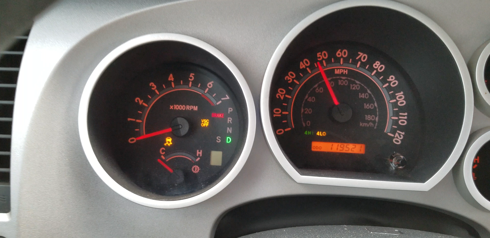 indicator lights flashing and speedometet bounces up and down while  accelerating  check engine light does not come on  hooked up obd2 meter on  it to
