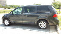 Picture of 2012 Volkswagen Routan SE w/ RSE and Nav, exterior, gallery_worthy