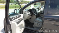 Picture of 2012 Volkswagen Routan SE w/ RSE and Nav, interior, gallery_worthy