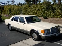 1986 Mercedes-Benz 420-Class Overview