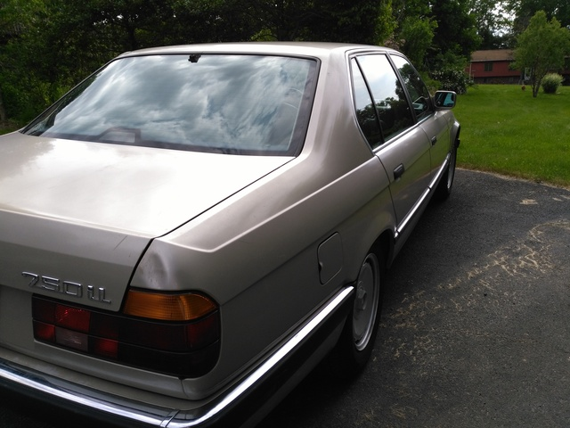 Picture of 1989 BMW 7 Series 750iL RWD