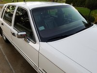 Picture of 1994 Lincoln Town Car Signature, exterior