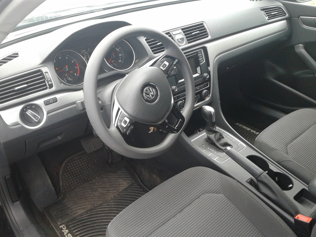 Picture of 2016 Volkswagen Passat 1.8T SEL Premium, interior, gallery_worthy