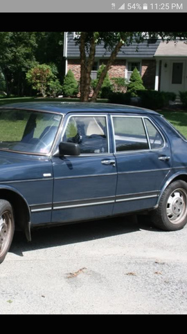 Picture of 1983 Saab 900 Sedan