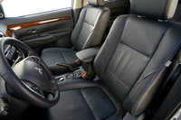 Picture of 2015 Mitsubishi Outlander SE AWD, interior, gallery_worthy