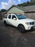 2015 Nissan Frontier PRO-4X Crew Cab 4WD, White