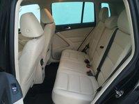 Picture of 2016 Volkswagen Tiguan SE, interior