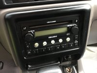 Picture of 2004 Isuzu Rodeo S 4WD, interior